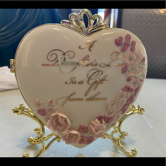 Bradford Exchange Table Top Locket